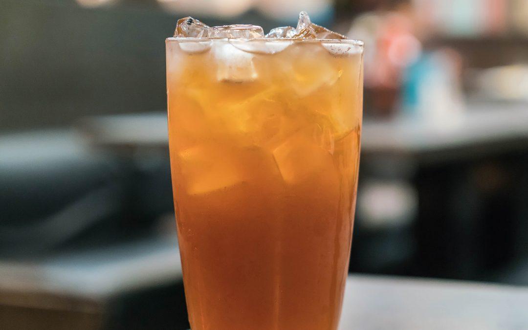 Água aromatizada de chá verde com canela